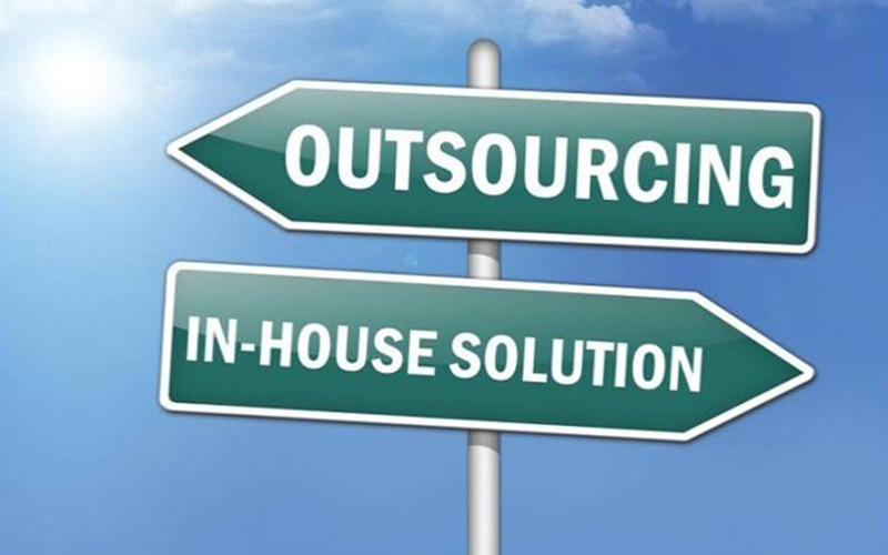 benefit from outsourcing and freelancing Startup